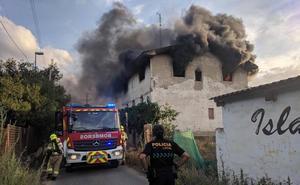 Aparatoso incendio en una casa abandonada de Logroño