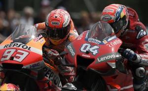 Dovizioso se exhibe en un duelo hasta la última curva con Márquez