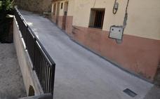 Reconstruido el muro y finalizada la ampliación de la calle de acceso a San Miguel