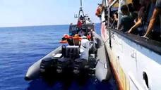 Huelga de hambre, peleas a bordo... El cansancio hace mella en el Open Arms