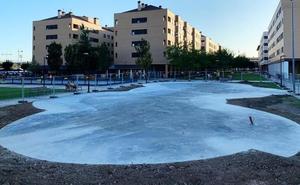 Finaliza la primera fase de las obras en el área de juegos del parque de El Mazo