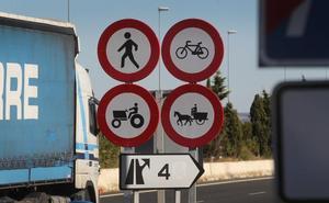 Tractores y remolques podrán circular por las autovías del entorno de Logroño en vendimia