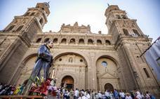 Alfaro procesiona en su tercer día de fiestas en honor a San Roque y San Ezequiel