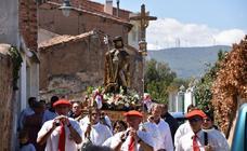 Procesión en el día grande de las fiestas de San Roque en Tudelilla