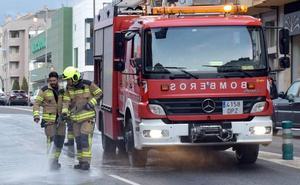 Los bomberos sofocan un incendio en Varea y otro en Albelda