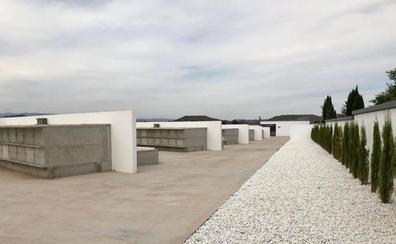 Huércanos reforma su cementerio