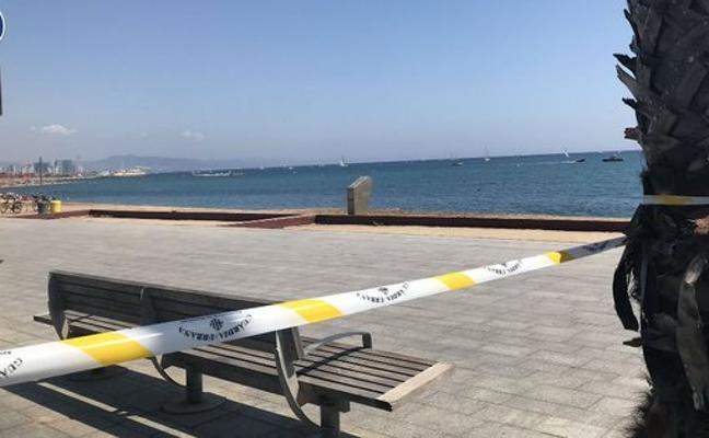 Desalojan una playa de Barcelona para desactivar un artefacto explosivo en el agua