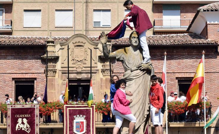 La puesta del pañuelo a Quintiliano en las fiestas de Calahorra