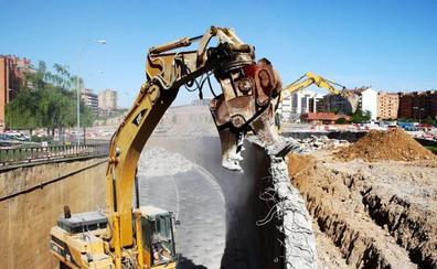 El Ayuntamiento abre el debate sobre el mantenimiento del túnel en Vara de Rey