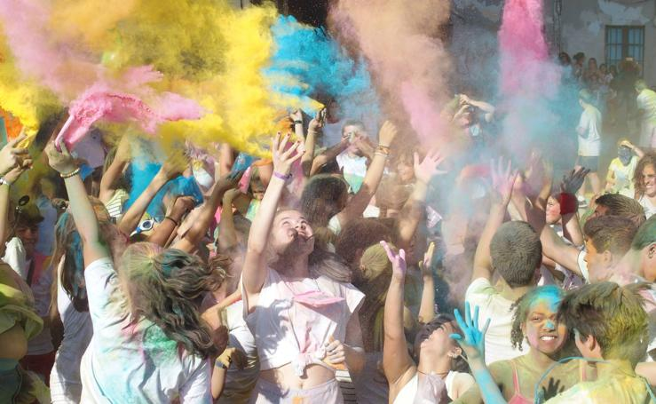 Chuletas, charangas, careta y mucho color en las fiestas de Calahorra este miércoles