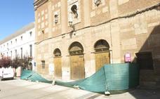 El Consistorio baraja comprar el andamio de San Francisco, cuyo alquiler cuesta 36.000 euros al año