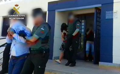 Detenidos en Almería cuatro atracadores de bancos que habían robado en La Rioja