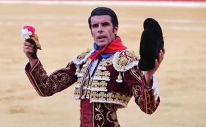 El Club Taurino de Calahorra concede a Emilio de Justo el trofeo 'Coliflor de plata'