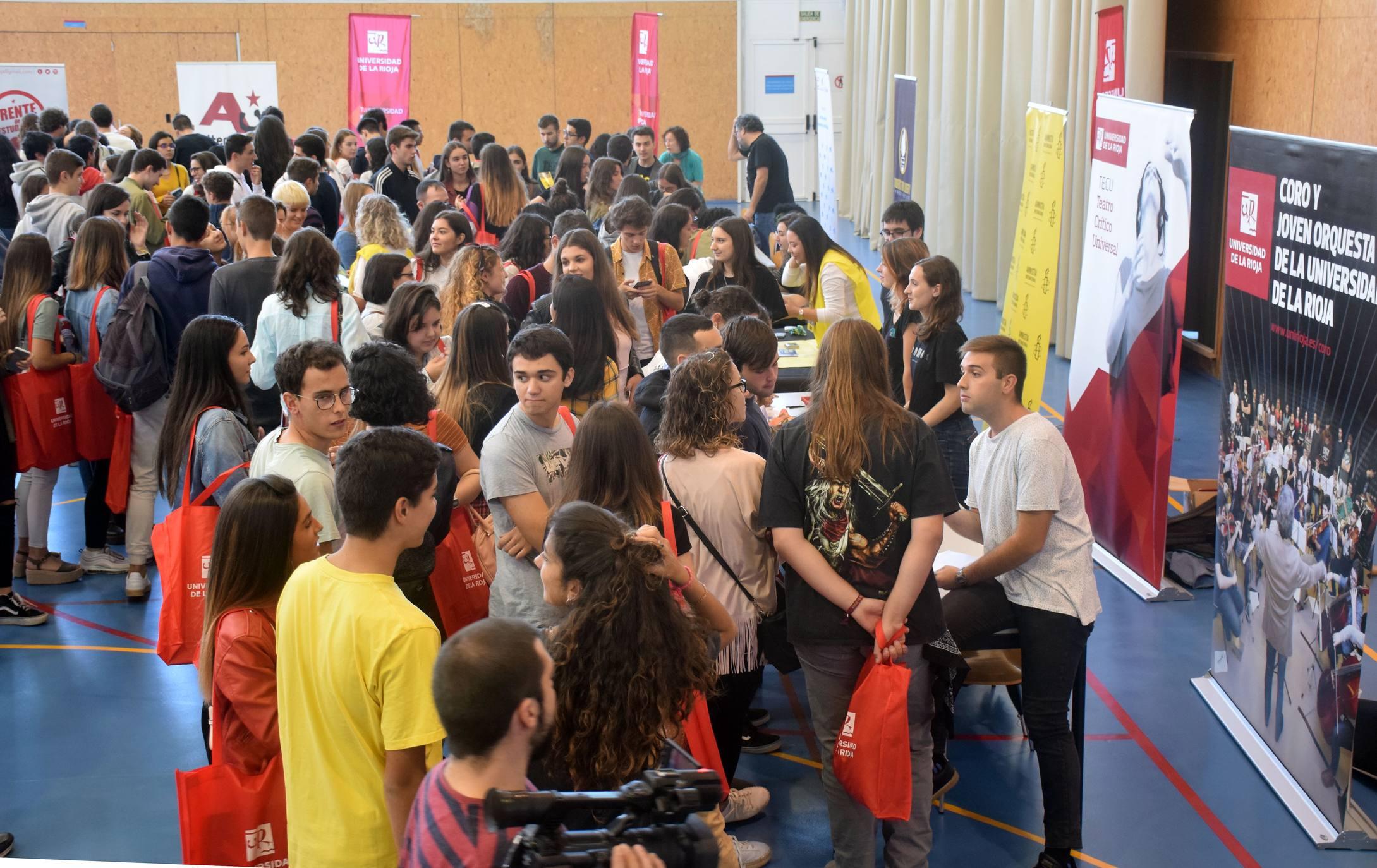 La UR da la bienvenida a los alumnos extranjeros de este curso