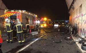Un conductor kamikaze impacta contra un vehículo y mata a su único ocupante en Madrid