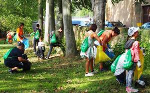Ochenta voluntarios se sumaron al 'reto' de limpiar el parque del Cidacos