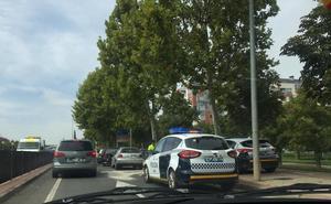 Cuatro vecinos de Albelda heridos en un accidente en Logroño