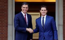 Rivera traslada la presión a Sánchez: «Tiene que rectificar para evitar elecciones»