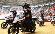 Los niños de Logroño disfrutan de la exhibición de la Policía Nacional