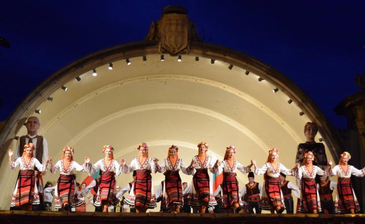 Festival folclórico en El Espolón