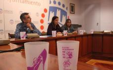 Un vaso reutilizable conciencia en fiestas de Arnedo contra las agresiones sexistas y el abuso del plástico