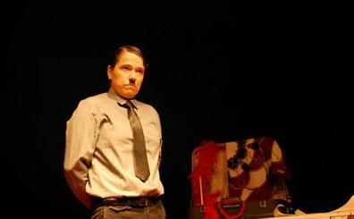 La obra Gay Hitler inicia la programación del próximo trimestre de Sala Negra