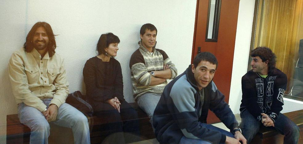 Dos etarras arrepentidos saldrán de la prisión de Logroño para visitar la ciudad