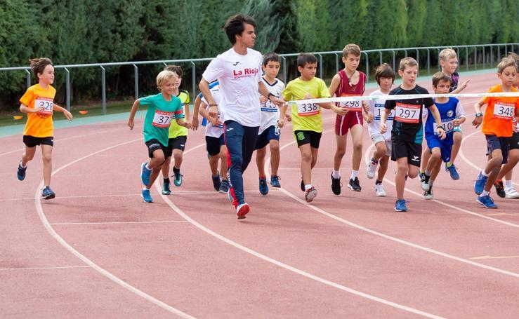 El 1.000 Popular en el Adarraga, la fiesta del atletismo