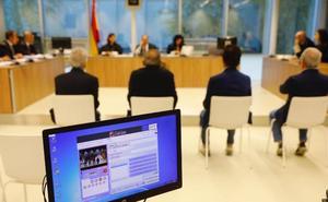 Los empresarios que falsificaron facturas para cobrar subvenciones de la ADER aceptan nueve meses de cárcel
