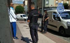 Un policía fuera de servicio detiene a dos jóvenes por robar a menores en San Mateo