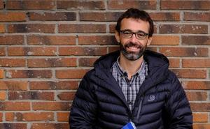 Ibon Martín: «Los escritores españoles nos hemos empezado a valorar más y eso hace que fuera también lo hagan»