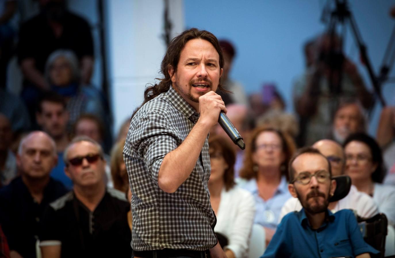 Iglesias afea al partido de Errejón que «no se limiten el salario» y que «acepten donaciones privadas»