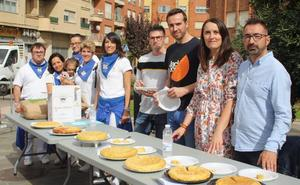 Diana Marín gana el I Concurso de Tortillas de Patata de la peña San Marcial de Lardero