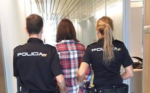 Detenida una asistenta por gastar 11.500 euros online con la tarjeta de sus empleadores