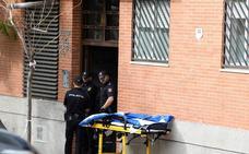 Liberada la mujer que permanecía retenida por un individuo armado en Madrid