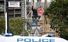 La Policía londinense no puede con las protestas de los ecologistas rebeldes