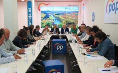 Zoido pide en Logroño una respuesta de Europa ante «unos aranceles injustos»