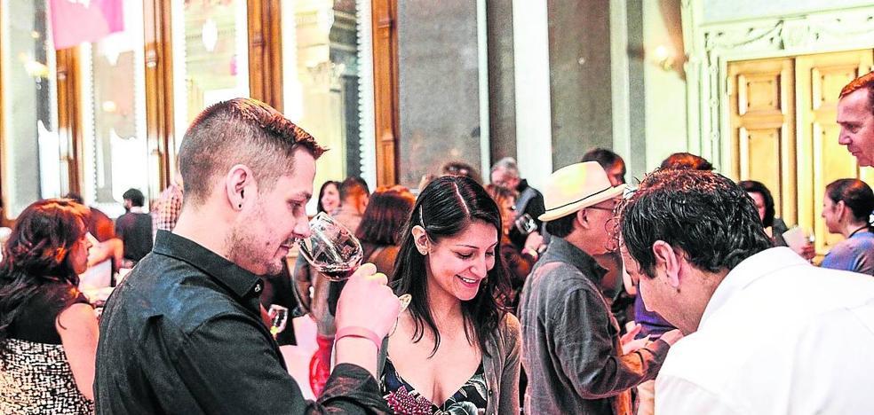 El Gobierno riojano oferta atención personal a las bodegas tras consumarse los aranceles