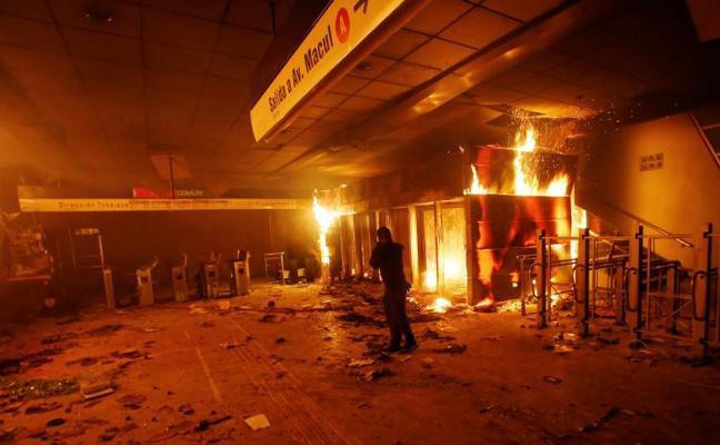 Los militares salen a las calles para controlar los disturbios en Chile