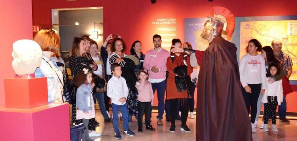 Las rutas teatralizadas comenzaron ayer en el Museo de la Romanización