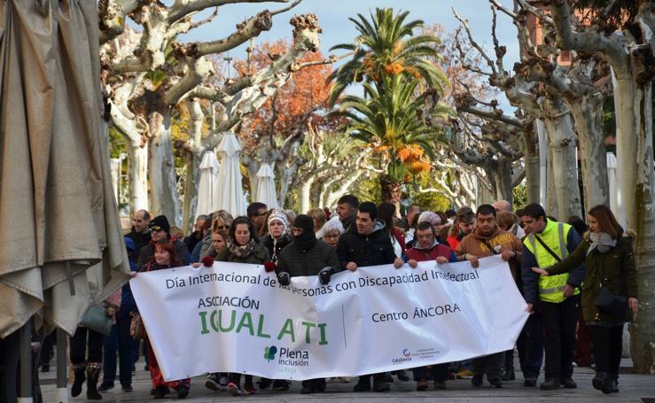 Marcha del centro Áncora de 'Igual a Ti' en Calahorra
