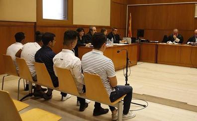 La Audiencia de Barcelona decide mañana si ingresan en prision los condenados de la 'manada' de Manresa