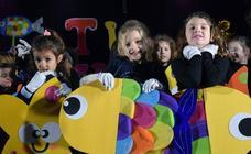 Celebración del Carnaval de las ludotecas municipales de Logroño en el Polideportivo de Las Gaunas