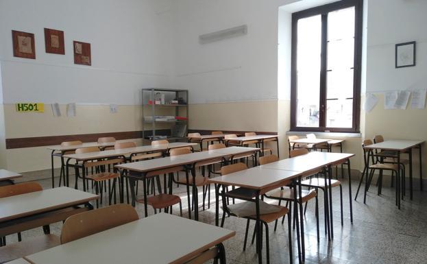 Aula vacía en un colegio./Álvaro Caballero (EFE)
