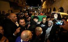 Jerusalén despide a un joven autista abatido por la policía