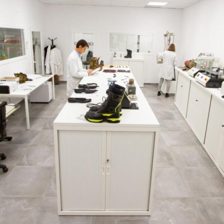 Fal Seguridad desarrolla un calzado con suelas que eliminan bacterias y virus