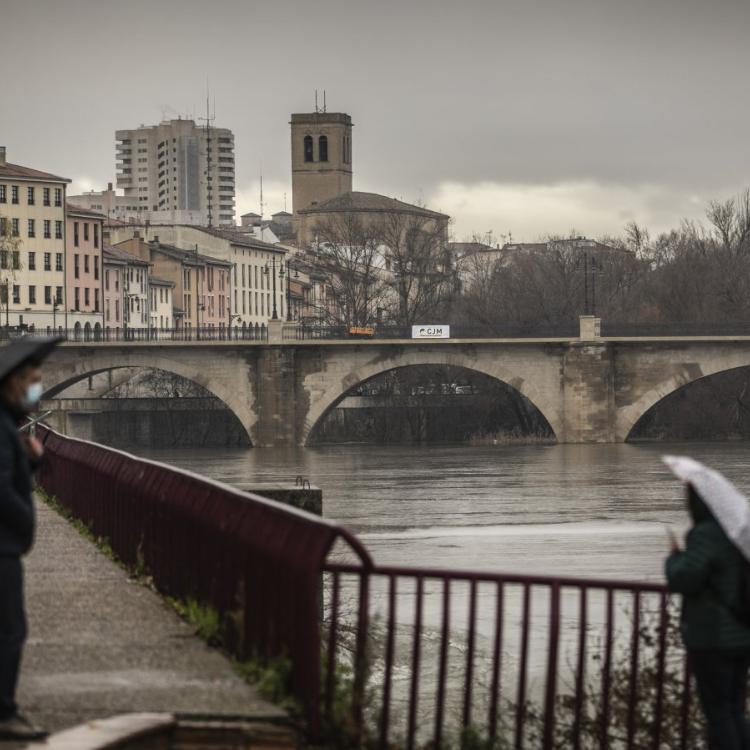 Tras el paso de la borrasca, el Ebro comienza a subir