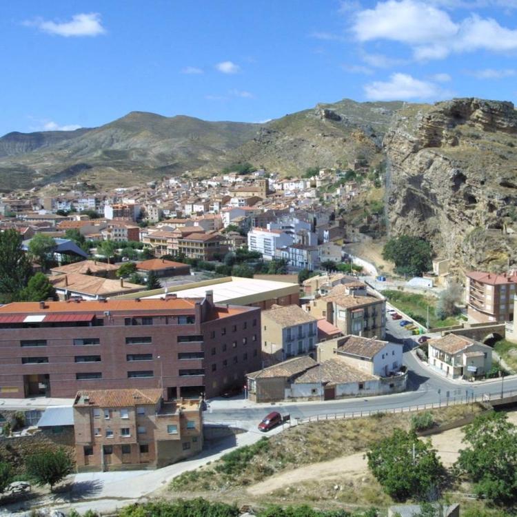 El Ayuntamiento de Cervera elimina el puesto de agente de empleo y crea uno de administrativo