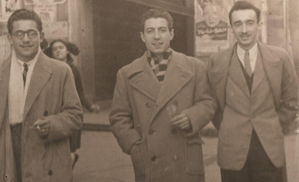 Bajando por la calle Grande de Calahorra a principios de los cincuenta