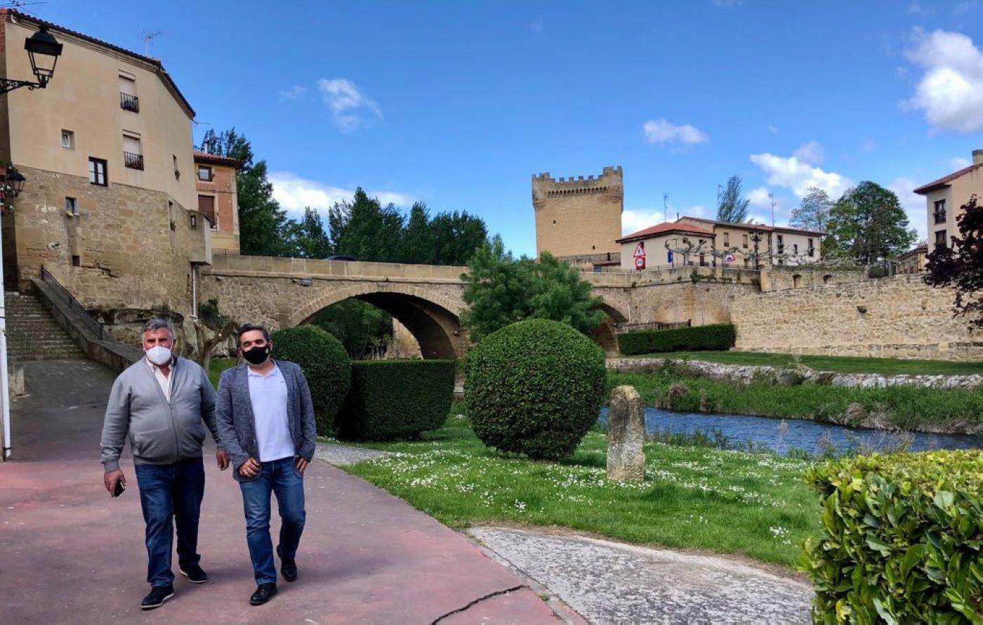 Los alcaldes de Sajazarra, Tirgo Treviana y Cuzcurrita trasladan sus necesidades al Gobierno